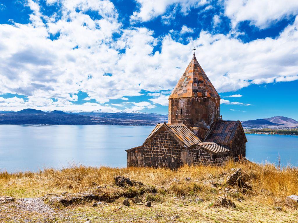 (יום ב') טביליסי -  אגם סוואן ( ארמניה)